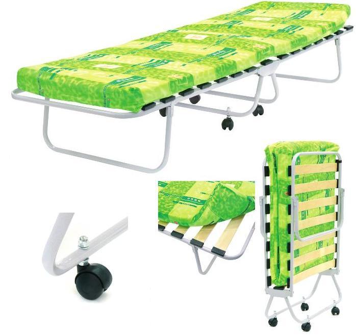 Кровать раскладушка на ламелях и матрасом, на колёсах